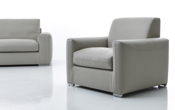 Divani e poltrone divani e divani letto su misura for Divano klaus